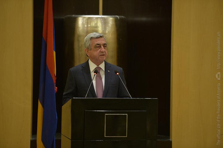 Серж Саргсян: Мы без колебания превратимся в единый кулак и защитим справедливые требования армян Арцаха