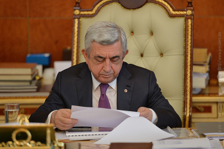 Бархатная смена власти в Армении: размытая власть и оппозиция