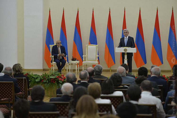 Баграт Эстукян и Ганс-Лукас Кизер удостоились премий президента Армении за вклад в признание Геноцида армян