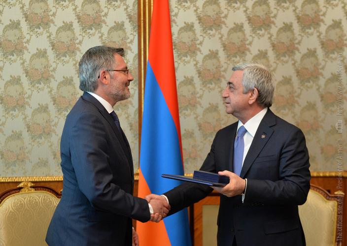 Депутат Д. Нитан награжден за вклад в дело признания Германией Геноцида армян