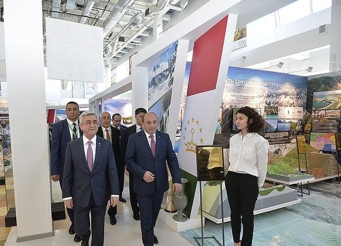 Серж Саргсян посетил армянский павильон выставки «Астана Экспо-2017»