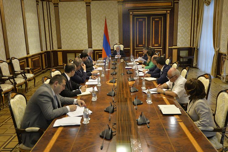 Серж Саргсян провел совещание по вопросам подготовки к VI конференции Армения-Диаспора