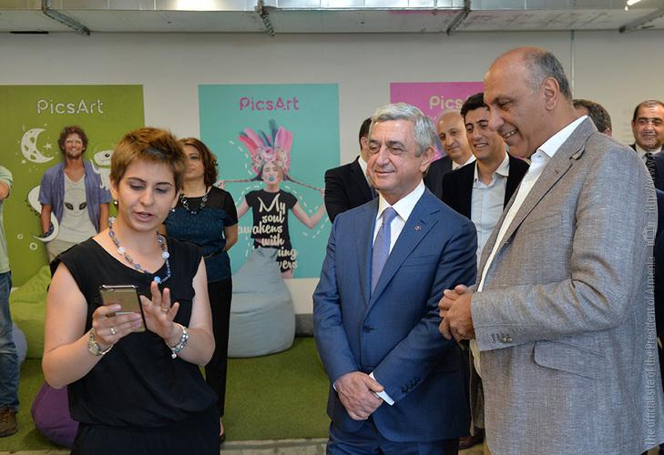Серж Саргсян посетил в Ереване офис одного из крупнейших фото-редакторов мира