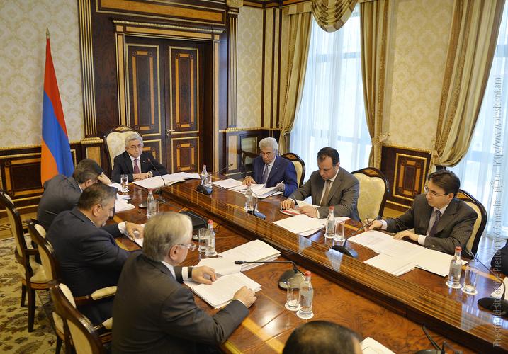 Серж Саргсян дал поручения о продовольственной безопасности и разработке предложений по минимальной потребительской корзине