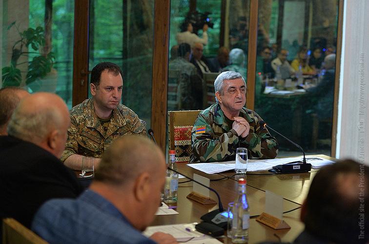 Серж Саргсян: Армянская армия усиливается с каждым днем и в состоянии решить все поставленные задачи