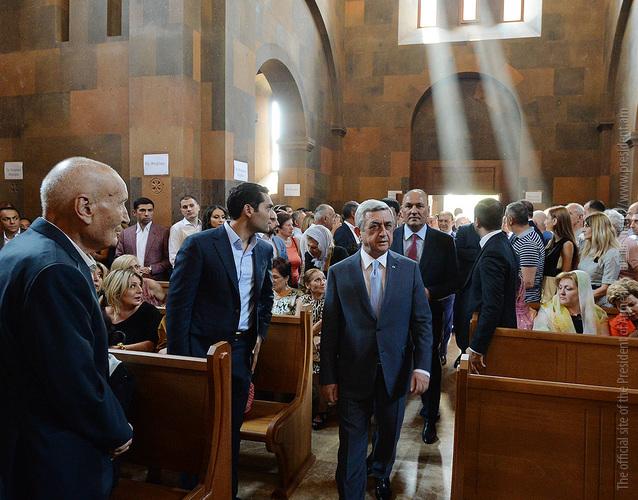 Серж Саргсян присутствовал на церемонии освящения церкви в городе Егвард