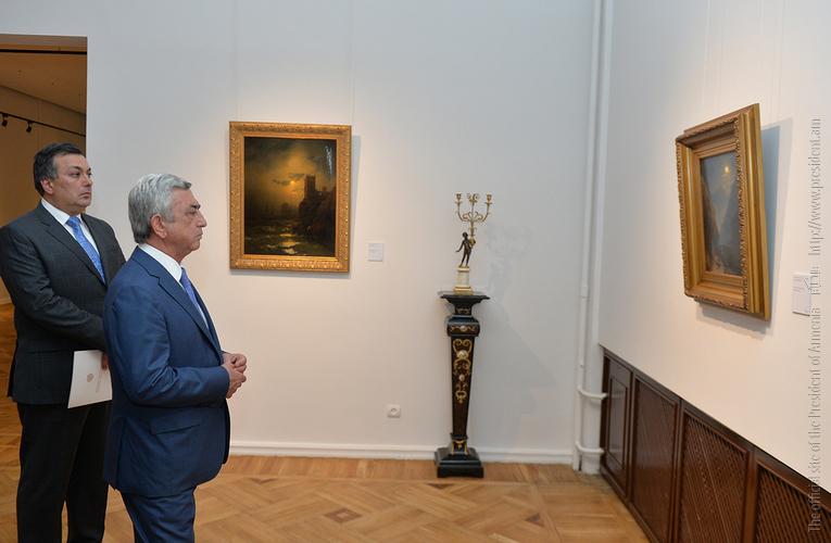 Серж Саргсян побывал на выставке, посвященной 200-летию со дня рождения Айвазовского