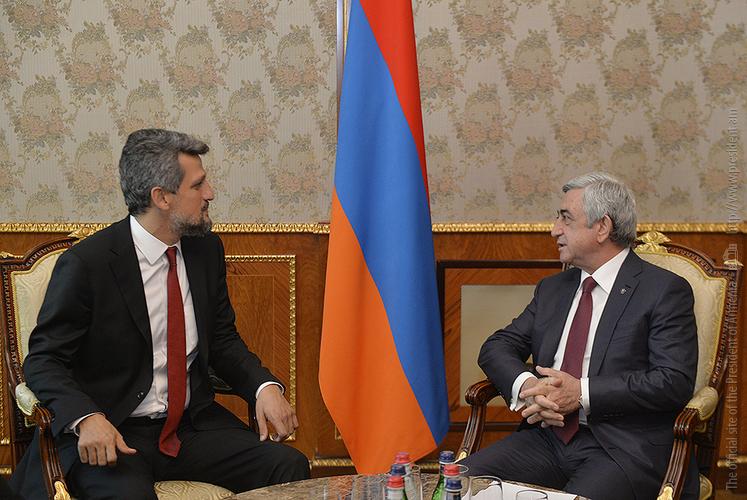 Каро Пайлян представил Сержу Саргсяну нынешнее положение армянской общины Турции