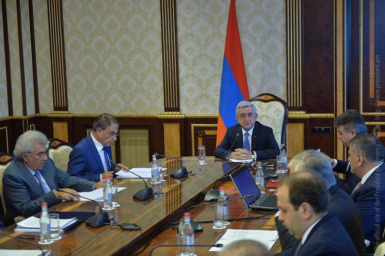 Серж Саргсян провел заседание Совета национальной безопасности
