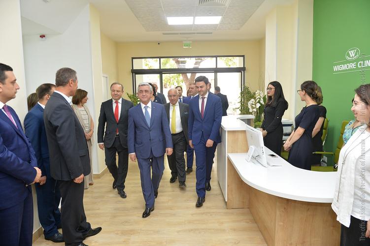 Серж Саргсян посетил новый Центр ортопедии, спортивной травматологии и спинальной хирургии «Wigmore Clinic»