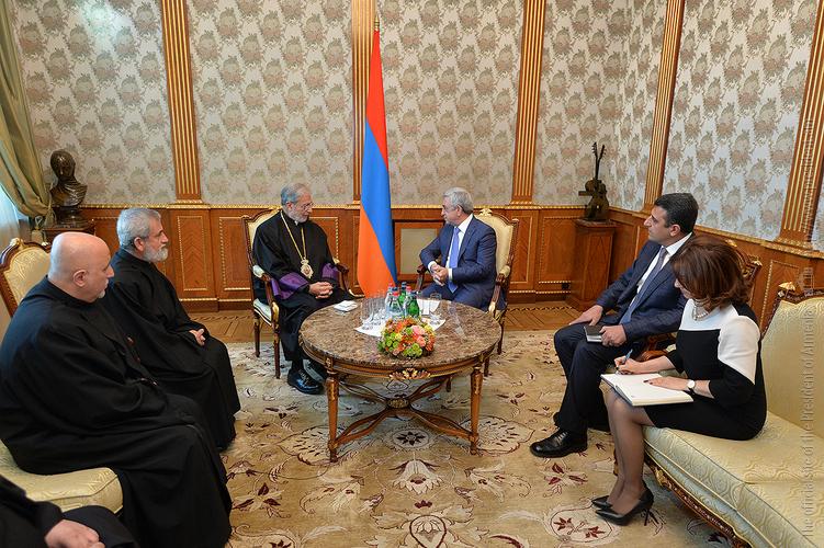 Серж Саргсян и архиепископ Левон Зекиян отметили важность мероприятий к 300-летию Конгрегации Мхитаристов