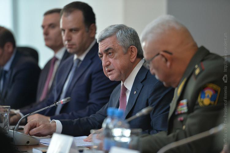 «Это очень странно»: президент Армении С. Саргсян с нетерпением ждет новой встречи с коллегой из Азербайджана И. Алиевым