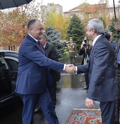 Саргсян и Додон высоко оценили результаты переговоров в Ереване