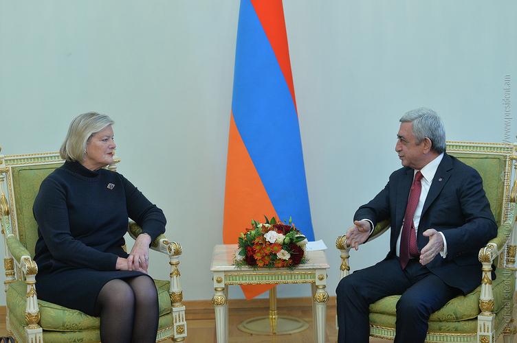Серж Саргсян обсудил с председателем Сената Нидерландов широкомасштабные реформы в Армении