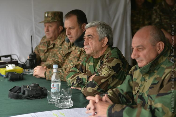 Президенты Армении и Арцаха посетили воинские части в НКР