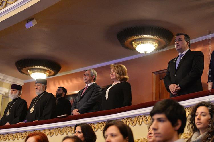 Серж Саргсян присутствовал на концерте, посвящённом 80-летию Национальной академической хоровой капеллы Армении