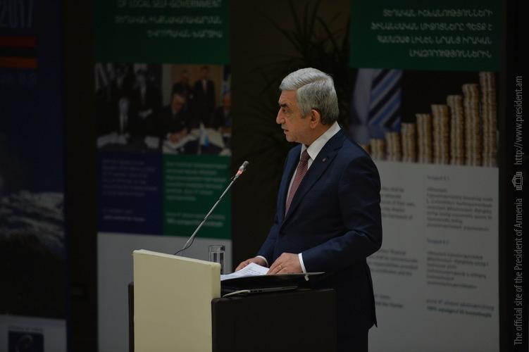 Серж Саргсян выступил на закрытии форума по вопросам муниципального управления в Дилижане