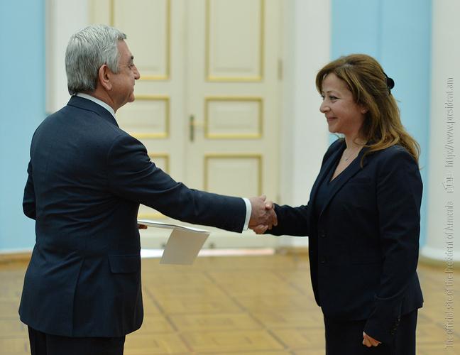 Президент Армении принял верительные грамоты посла Ливана