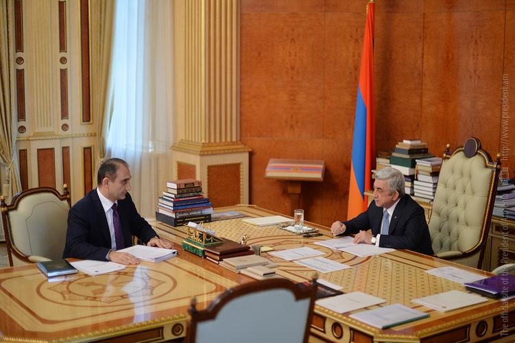 Серж Саргсян поручил КГД обеспечить налоговые поступления, но не мешать работе бизнесменов