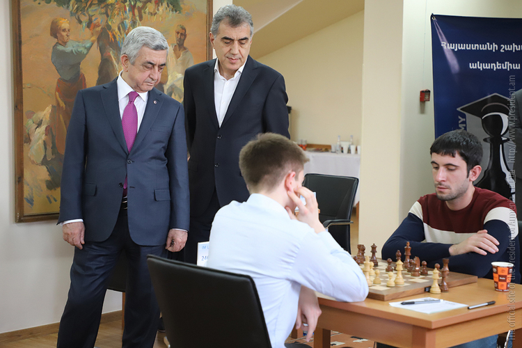 Серж Саргсян посетил шахматный турнир в память Андраника Маргаряна