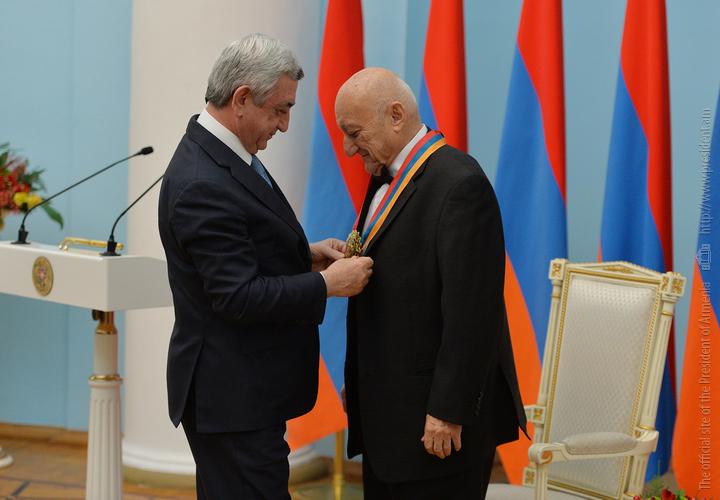 Главе национального академического хора Армении вручили высшую награду