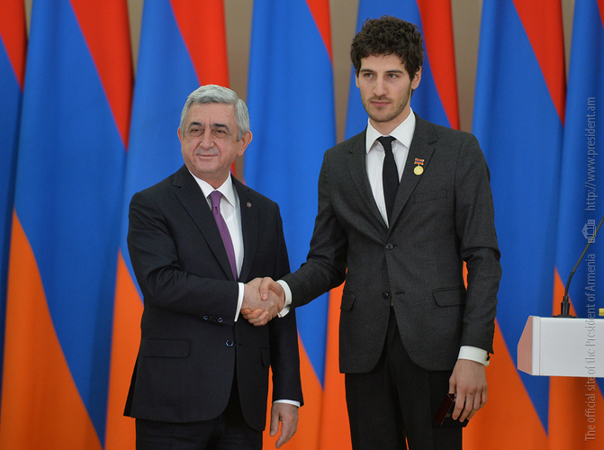 Серж Саргсян вручил госнаграды: в числе лауреатов – создатели фильма о карабахской войне «Линия»