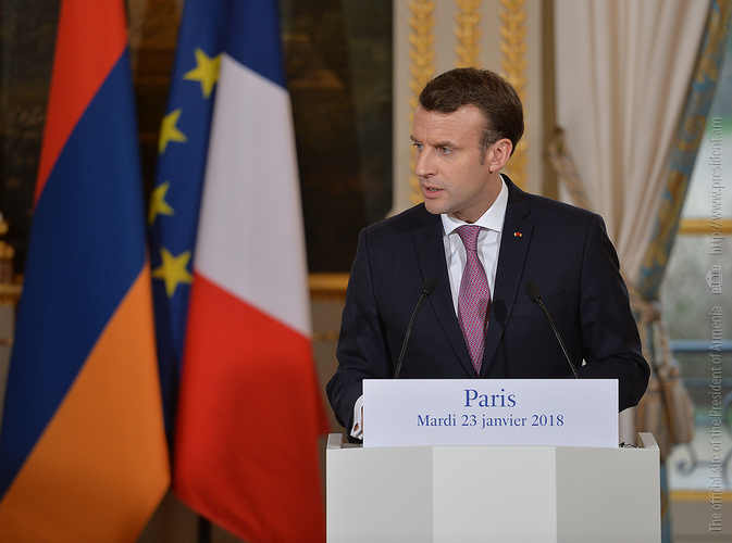 Макрон: 2018-й станет весьма важным годом для Армении