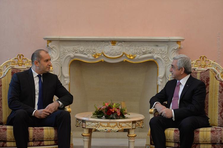 Президенты Армении и Болгарии начали переговоры в Ереване