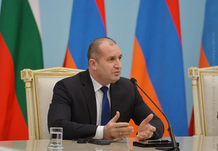 Румен Радев: Стабильность в регионе пойдет на пользу как Армении, так и Болгарии