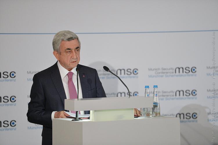 Серж Саркисян напомнил в Мюнхене о возрасте Еревана и Азербайджана