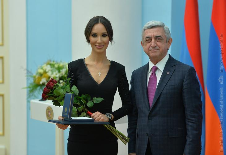 Серж Саргсян: Я всегда призывал и буду призывать женщин активно участвовать в построении государства
