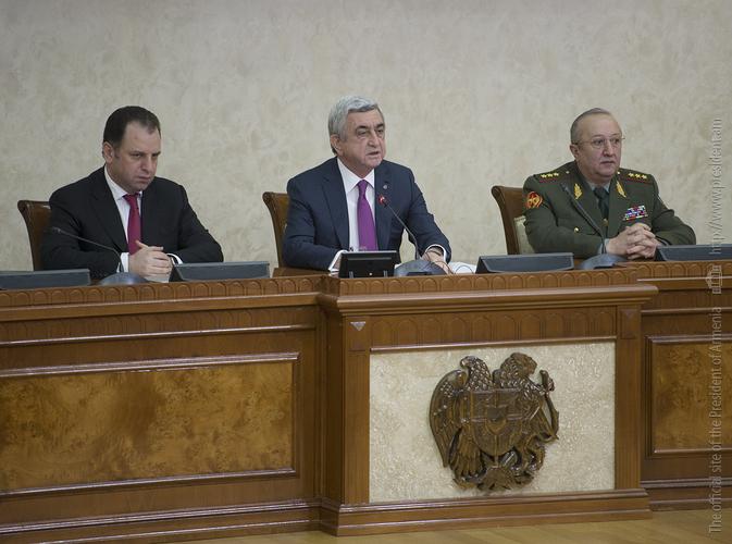 Серж Саргсян: В условиях непрерывно звучащих из Баку угроз армянские вооруженные силы – наша поддержка и опора