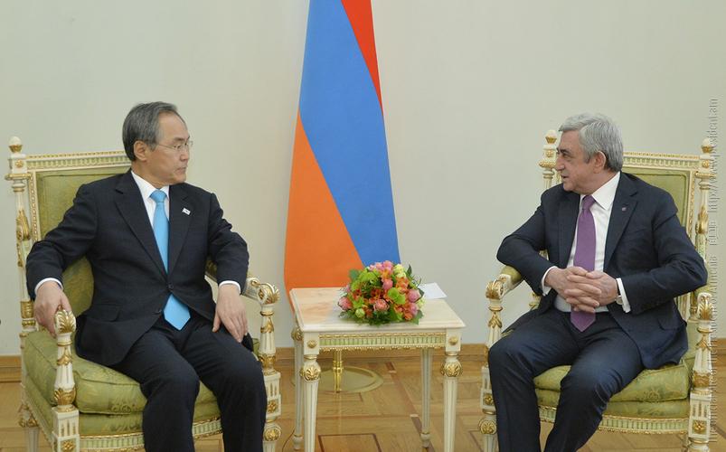 Сержу Саргсяну верительные грамоты вручил посол Республики Корея