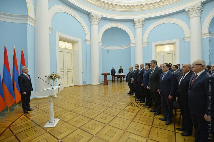 Серж Саргсян вручил высокие государственные награды