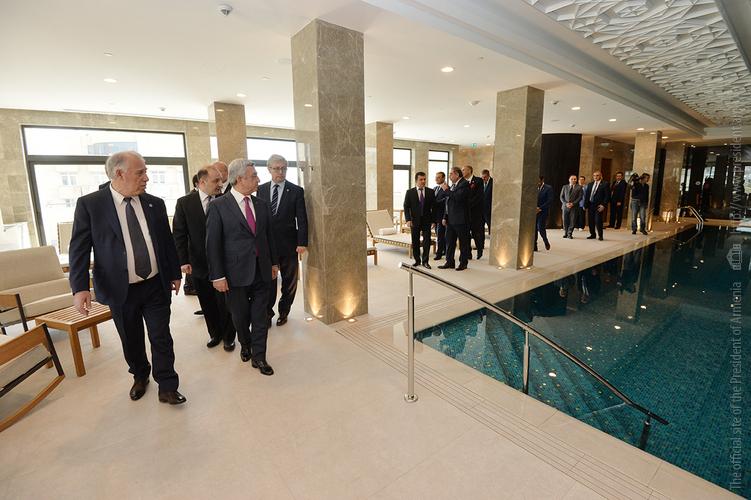 Серж Саргсян присутствовал на открытии в Армении люксового отеля The Alexander