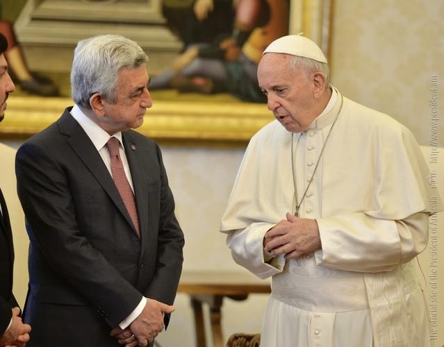 В Ватикане состоялась встреча президента Армении и Папы Римского Франциска