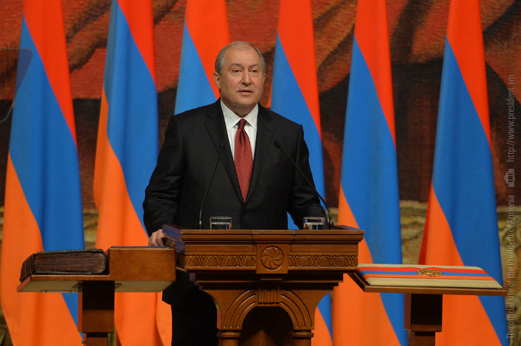 Президент Армении поздравил Азнавура с днем рождения