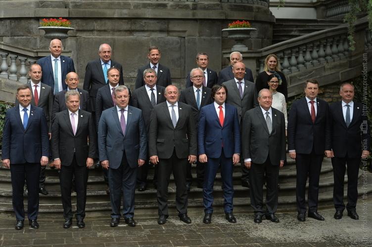Президент Армении провел встречу с главой Еврокомиссии