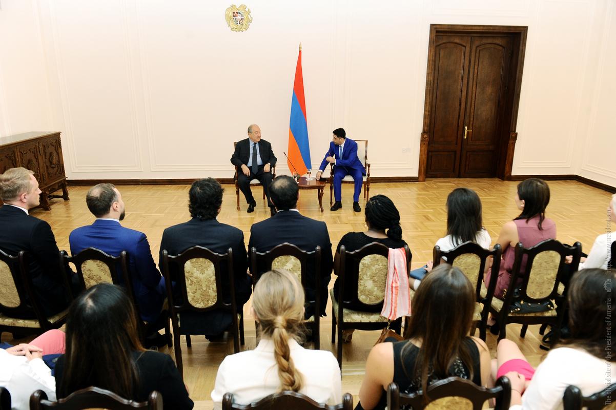 Президент Армении: В современном мире выигрывают народы и государства, которые умеют динамично меняться