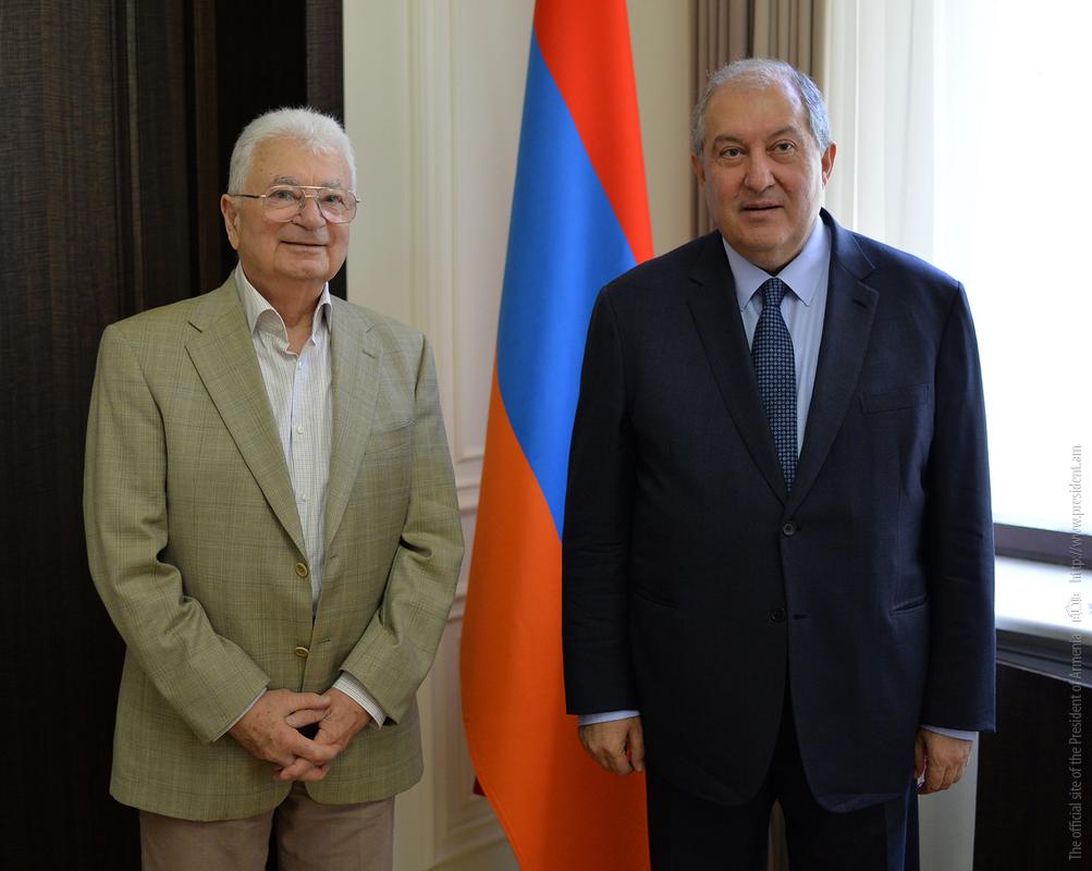 Президент Армен Саркисян: Научными заслугами и достижениями Юрия Оганесяна гордится вся Армения