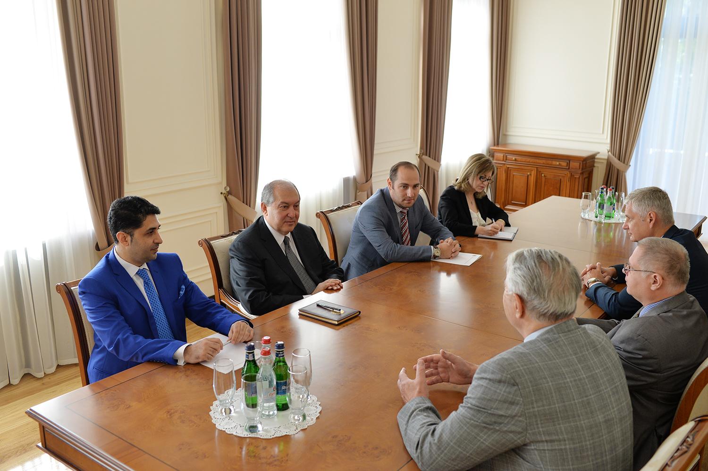 Արմեն Սարգսյանն ընդունել է «Հայաստան և Ռուսաստան. իրողություններ, խնդիրներ եւ հնարավորություններ» գիտաժողովի մասնակիցներին