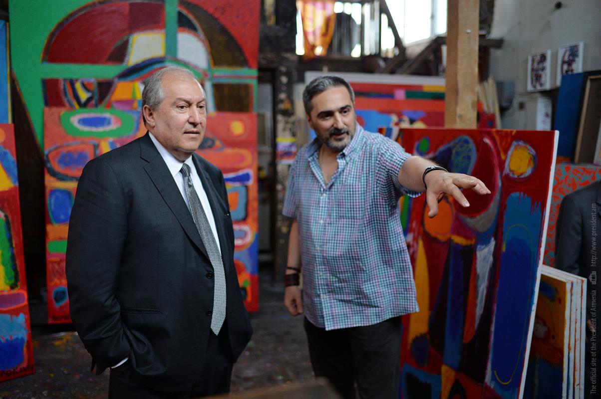 Президент Армении Армен Саркисян посетил мастерскую выдающегося художника Минаса Аветисяна