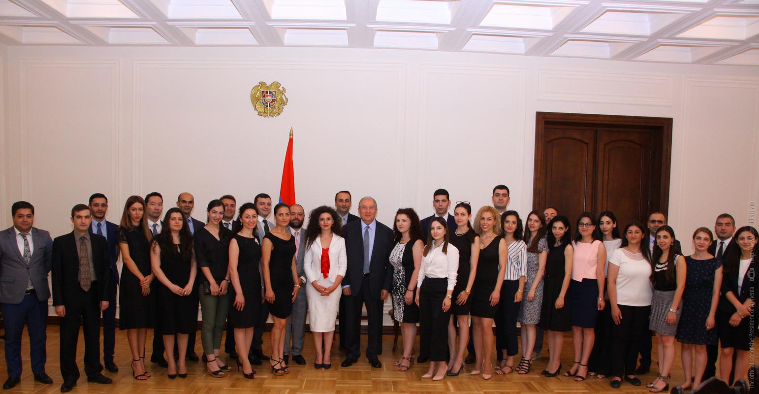 Президент Армении Армен Саркисян призвал молодежь к активному участию в развитии страны