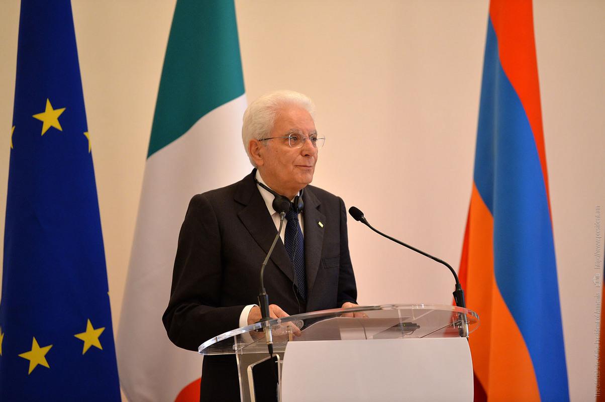 Президент Италии: Карабахский конфликт должен быть урегулирован только политическим путем