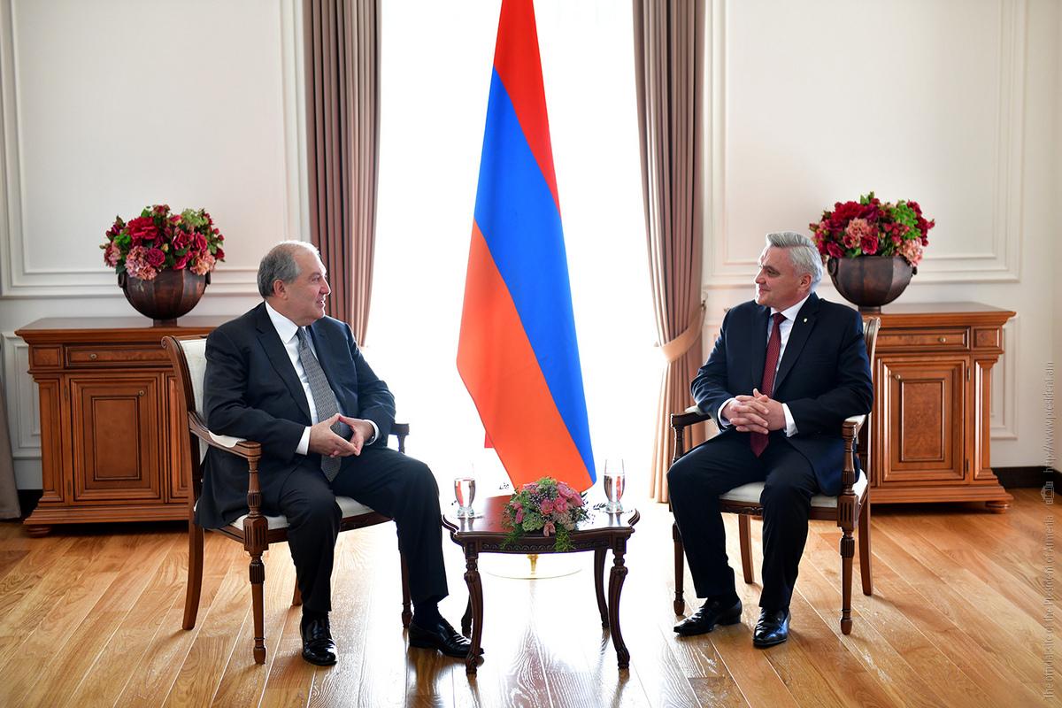 Президент Армении и посол Украины обсудили дальнейшее развитие двустороннего взаимодействия
