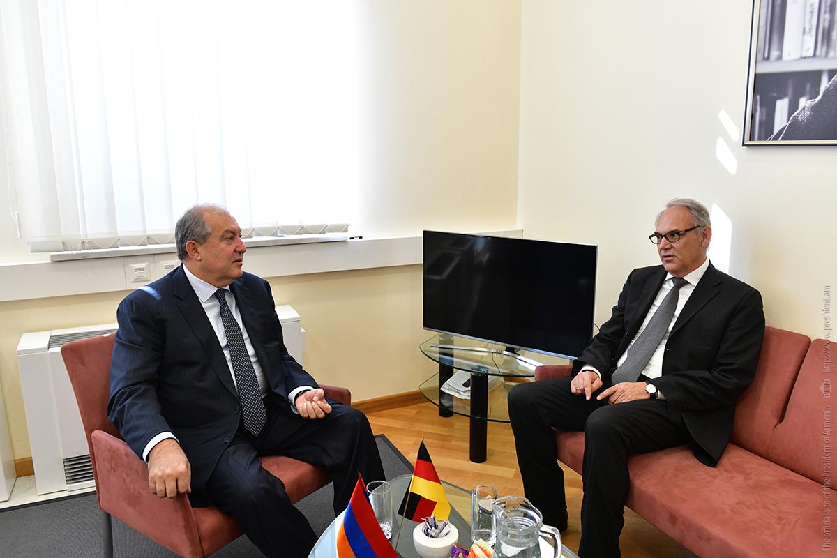 Президент Армен Саркисян посетил посольство Германии в Армении