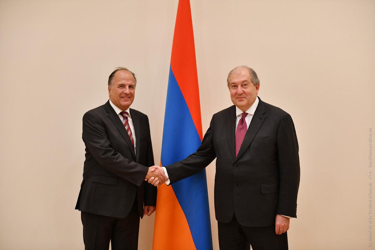 Новоназначенный посол Хорватии в Армении вручил свои верительные грамоты президенту Армену Саркисяну