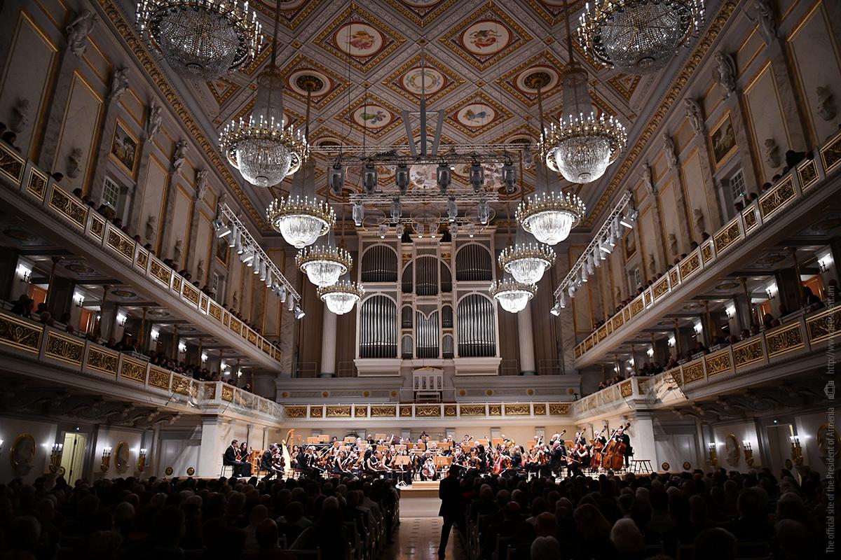 Национальный филармонический оркестр Армении выступил с концертом в Берлине