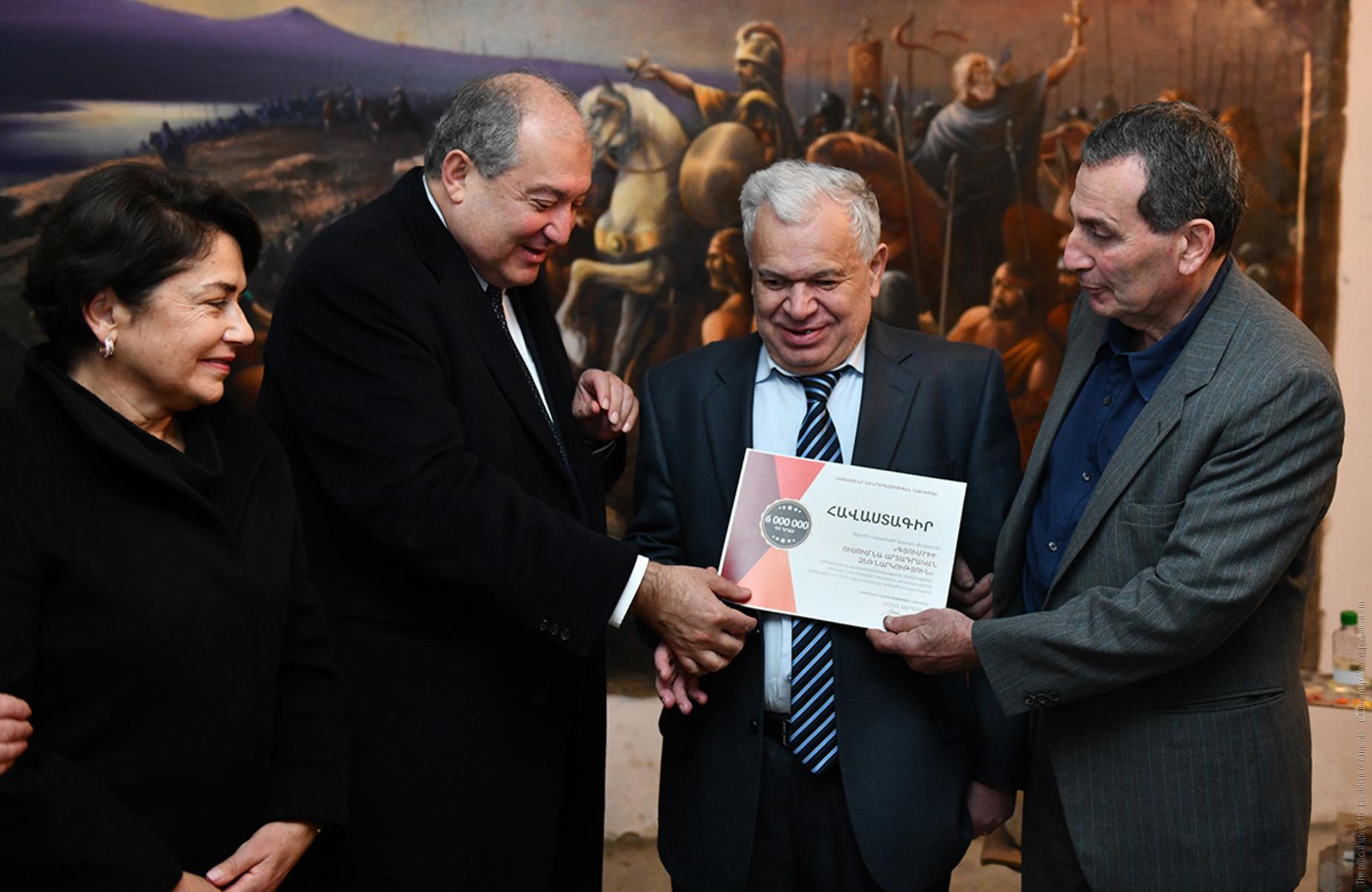 При содействии президента Армении в Гюмри будет расширено производство красок