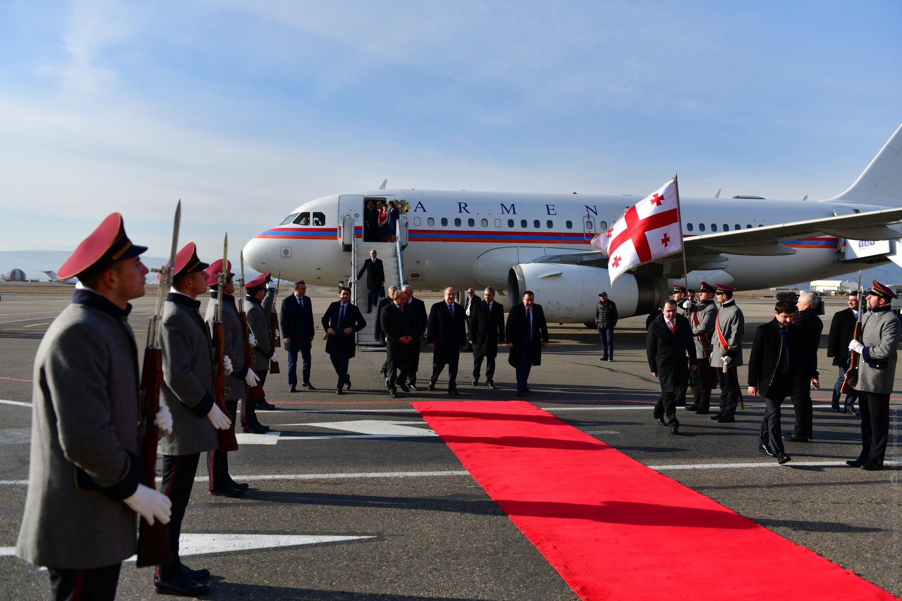 Президент Армении прибыл в Тбилиси: Он примет участие в церемонии инаугурации Саломе Зурабишвили